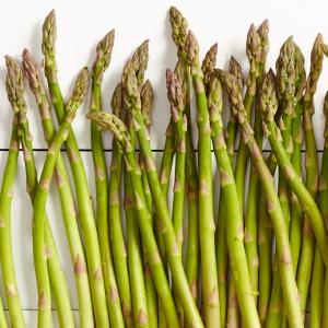 tout_spring-produce-asparagus_681x681