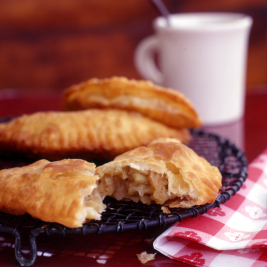 HD-200203-r-fried-apple-pies.jpg