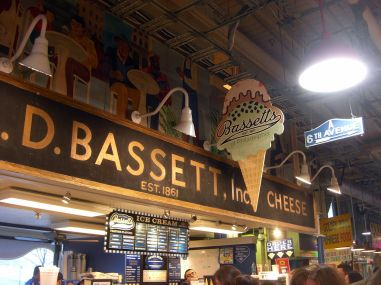 1024px-Bassett's_Ice_Cream_at_Reading_Terminal