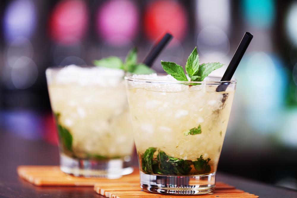 mint-julep-cocktail-bartender