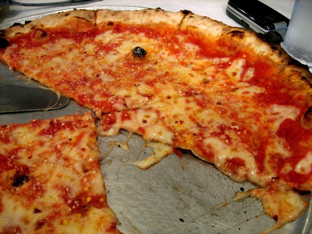 NYC-East_Harlem-Patsy's_Pizzeria-03.jpg